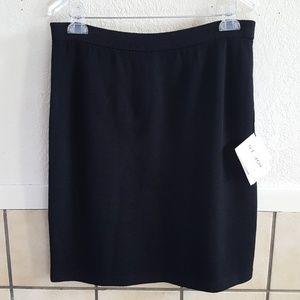 St. Johns Basic wool Blend black skirt Size 12 NWT